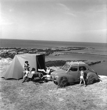 http://www.sacrescoeursmormaison.org/wp-content/uploads/2021/02/17-Le-camping-1.jpg