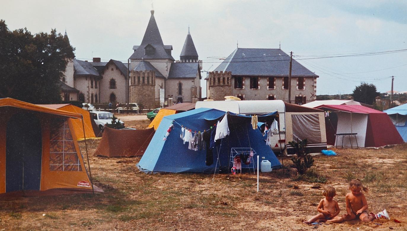 http://www.sacrescoeursmormaison.org/wp-content/uploads/2021/02/18-Le-camping-1.jpg