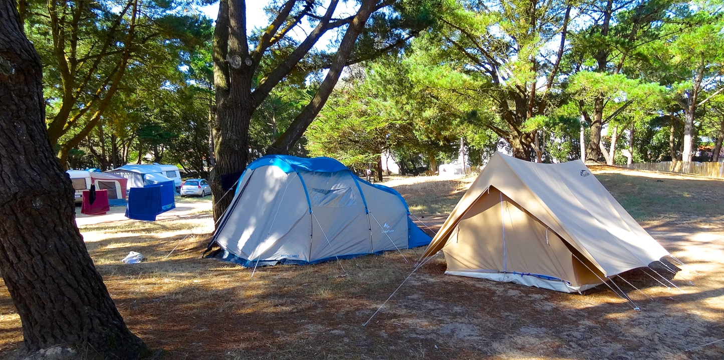 http://www.sacrescoeursmormaison.org/wp-content/uploads/2021/02/19-Le-camping-1.jpg