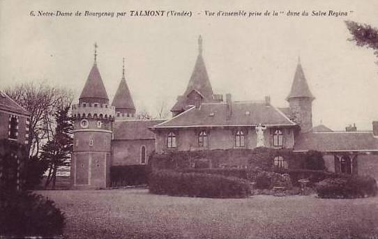 http://www.sacrescoeursmormaison.org/wp-content/uploads/2021/02/22-La-cour-du-chateau-1.jpg