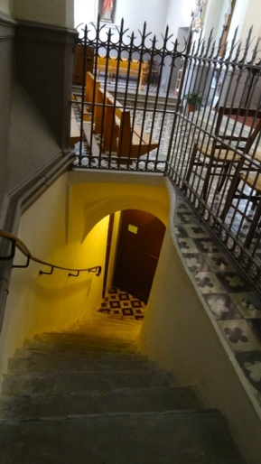 http://www.sacrescoeursmormaison.org/wp-content/uploads/2021/02/38-Escalier-vers-la-crypte-1.jpg