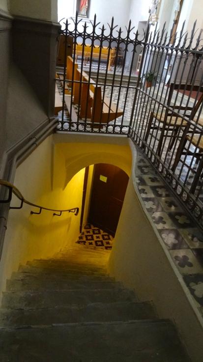 http://www.sacrescoeursmormaison.org/wp-content/uploads/2021/02/38-Escalier-vers-la-crypte.jpg